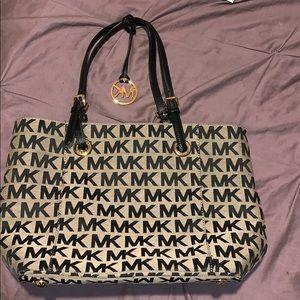 4d49bd435ea2 Women Marshalls Handbags Michael Kors on Poshmark